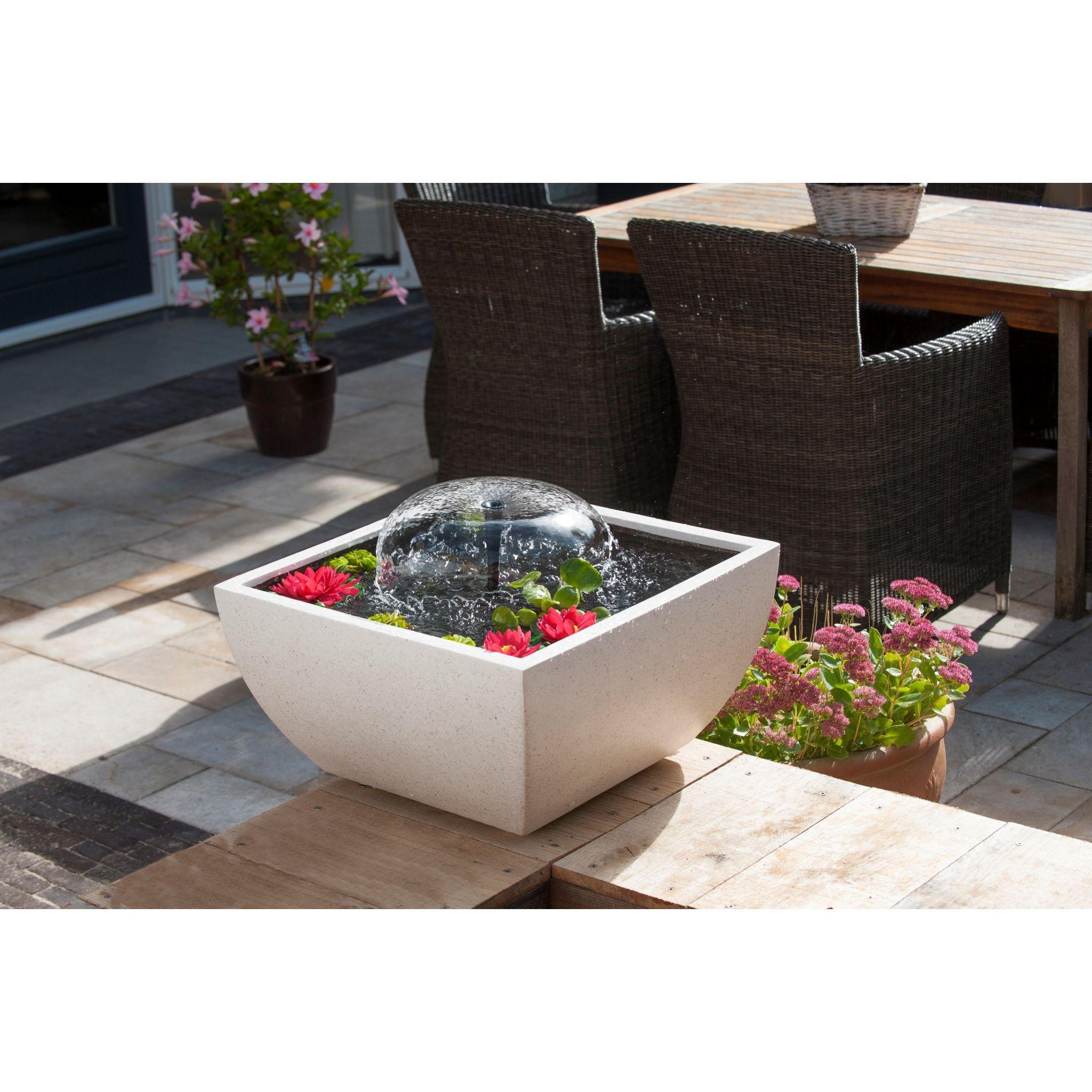 Mini vijverset v vierkante vijver wit met pomp en for Vierkant zwembad met pomp